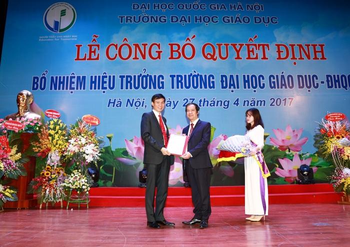VNU - Cong bo hieu truong Truong DH Giao duc (11)